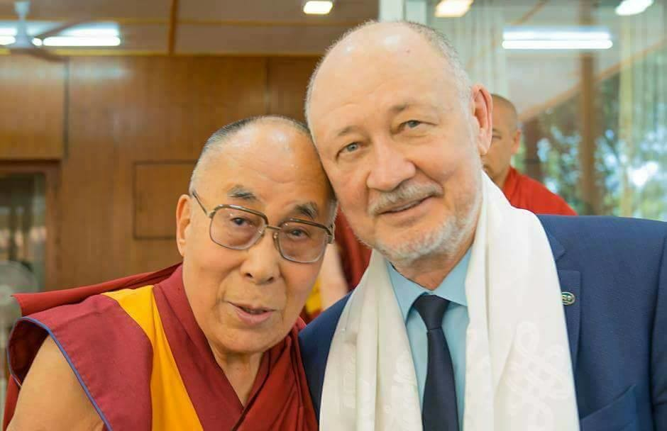 SkyWay Anatoli Yunitskiy with Dalai Lama